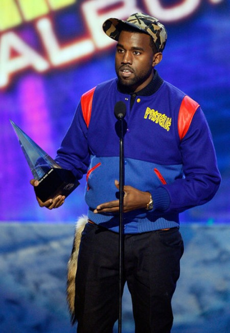 kanye-west-american-music-awards-pastelle-jackets-9