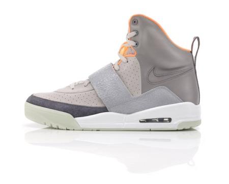 nike-sportswear-air-yeezy-03