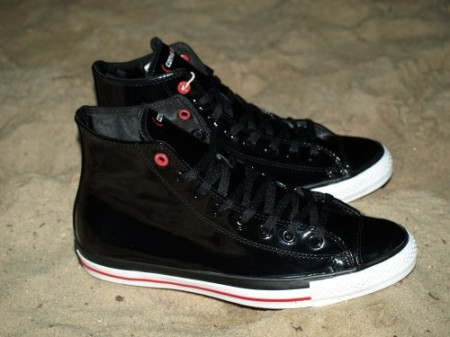 lupe-red-converse-2