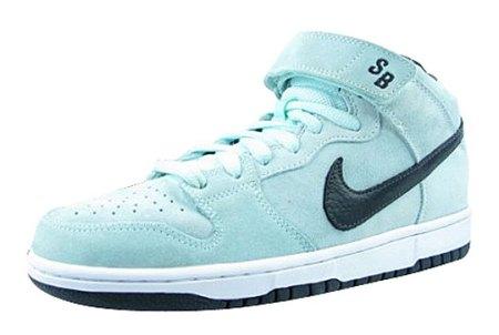 nike-dunk-mid-pro-sb-icy-blue